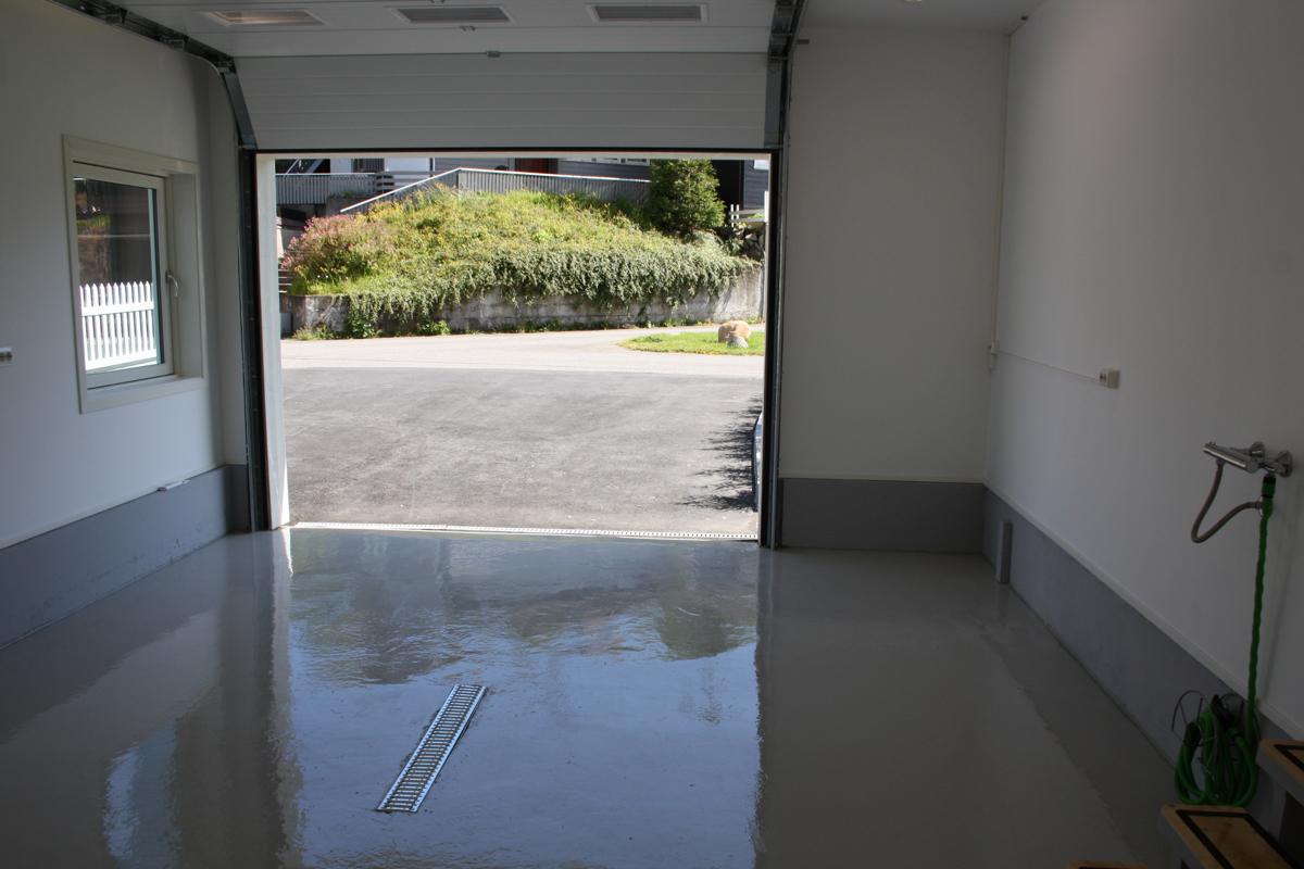 En helt unik og fantastisk garasje!