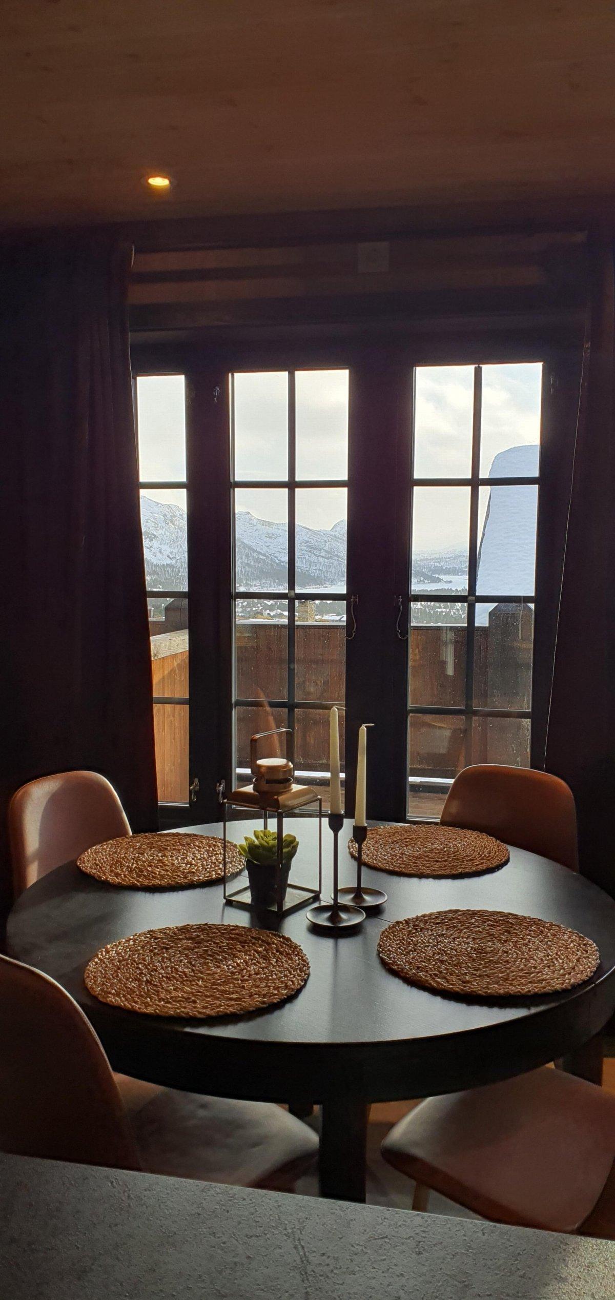 Spiseplass med flott utsikt.