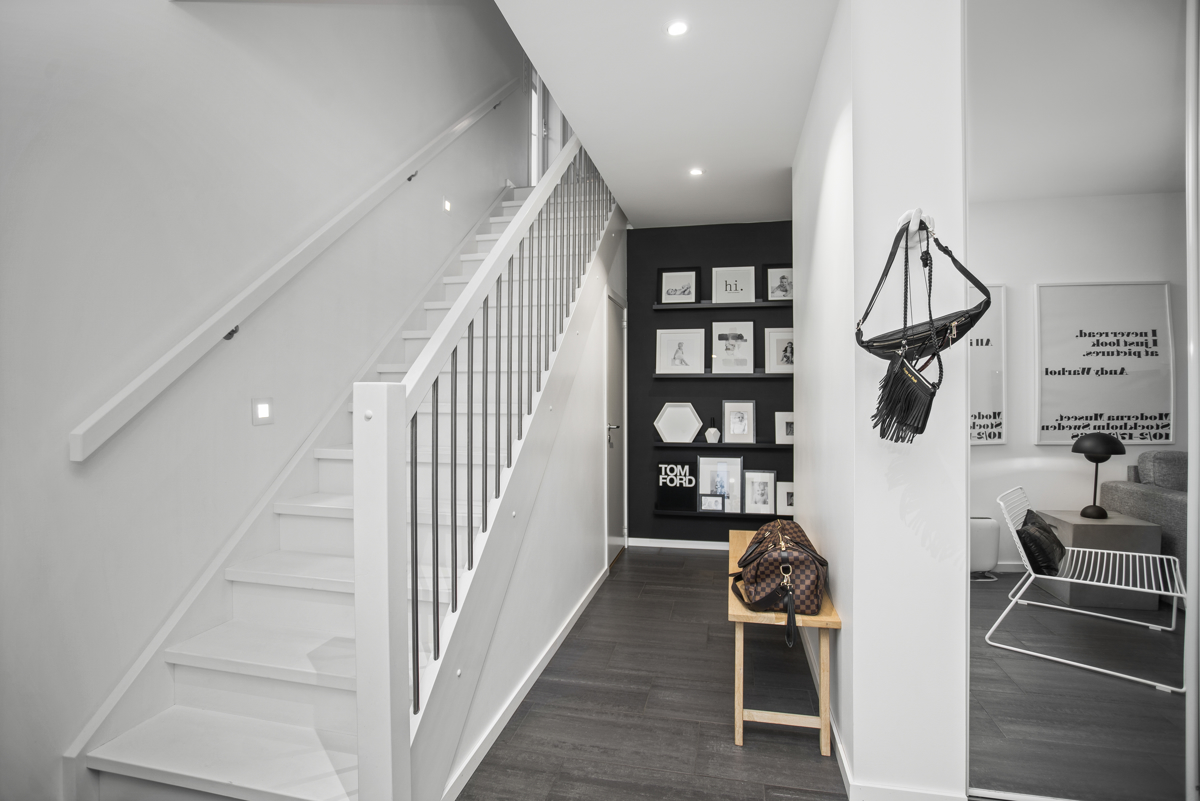 Fra gangen kan du komme rundt i hele boligen.