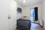 Soverom 3 er et godt rom med god plass til seng, nattbord og tlhørende møblement.