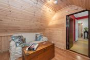 Rommet kan også brukes som garderobe, oppbevaring osv. Flere i borettslaget har satt inn takvindu her.