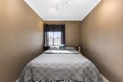 Det andre soverommet er litt mindre og er perfekt som barnerom.