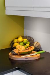 Nyt det å lage mat med god plass rundt seg!