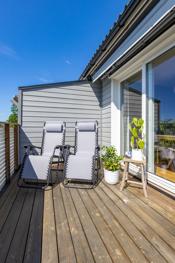 Nyt solrike dager på terrassen!