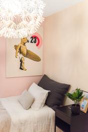 Her er det god plass til seng med tilhørende møblement.