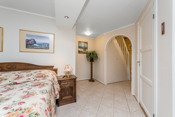 Dette rommet har inngang til både bad og garderobe/soverom/hobbyrom.