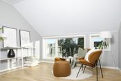 Koselig loftstue i 2. etasje i tilknytning til de 3 soverommene og badet. Ypperlig med et ekstra oppholdsrom i boligen!