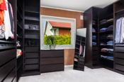 Tidligere soverom som er bygget om til garderobe