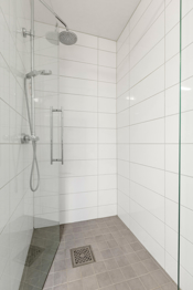 Pent og praktisk dusjhjørne