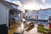Åpen terasse med gode solforhold