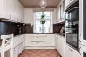 Lyst og stilrent kjøkken