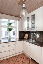 Godt med skapplass på kjøkken