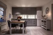 Stilrent kjøkken med godt lysinnslipp