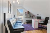 Stue i 2. etg. med utgang stor solrik takterrasse