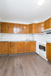 Separat kjøkken med plass til frokostbord i 2.etg.