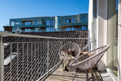 Solrik og lun veranda