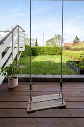 Her er det plass til å lage en liten frukthage eller plante urter.