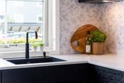 Ny trend i moderne hjem ? spar tid og strøm med vannkran, merke Quooker. Kaldt, varmt og kokende vann fra samme kran med barnesikring. Ferdig kokt vann til å lage te, kaffe eller mat.
