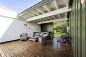 Stor og vestvendt terrasse