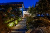 Adkomst fra Søndre Skrenten - med lyssatt trapp