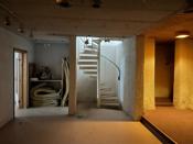 Trapp fra 1. etasje til underetasjen.