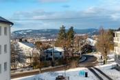 Fantastisk utsikt over Oslo og Holmenkollen fra boligen