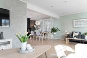 I stuen har man plass til en stor spiseplass, en stor og god sofakrok eller 2 om man ønsker m.m