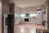 Kjøkken med down lights og gulvvarme