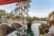 Stor solrik usjenert terrasse- utsikt og gode solforhold