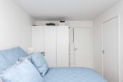 Hovedsoverom med direkte adkomst til garderoberom/bod