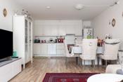 Kjøkken med hvit innredning