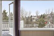 Utgang til solrik veranda fra stuen