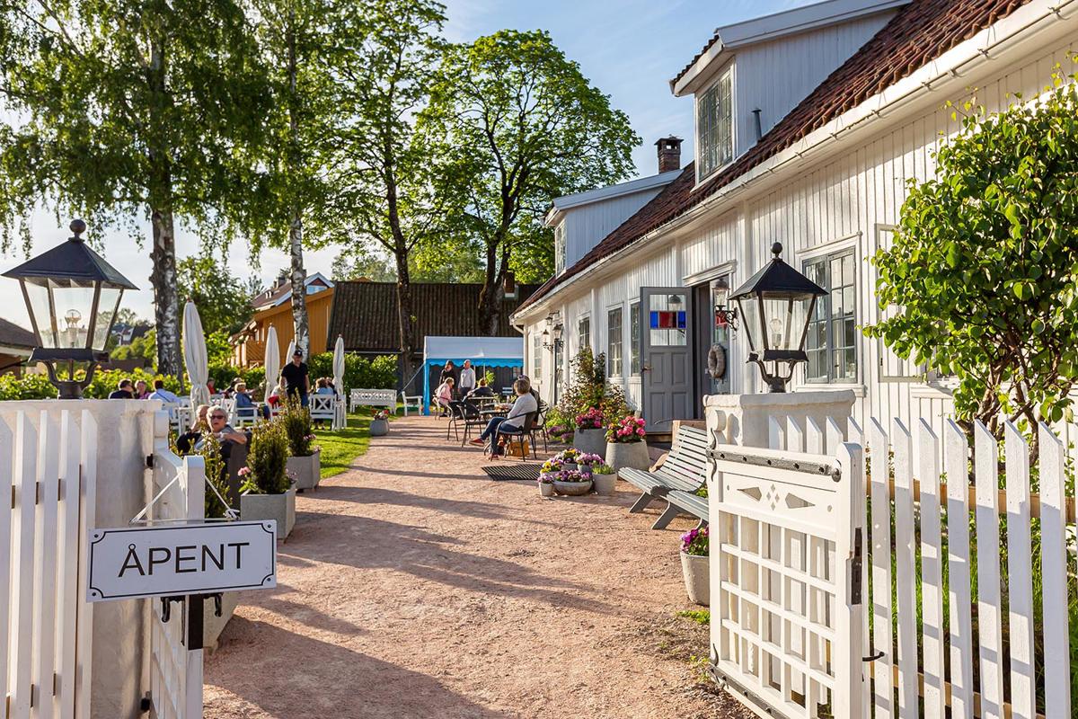 Sætre Gård  koselig Cafe i Sætre sentrum.