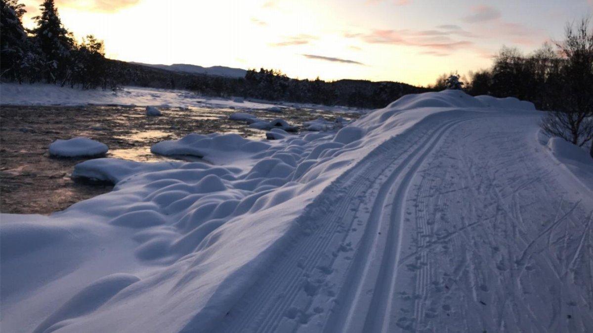 Lysløypa på Dagali går langs Numedalslågen