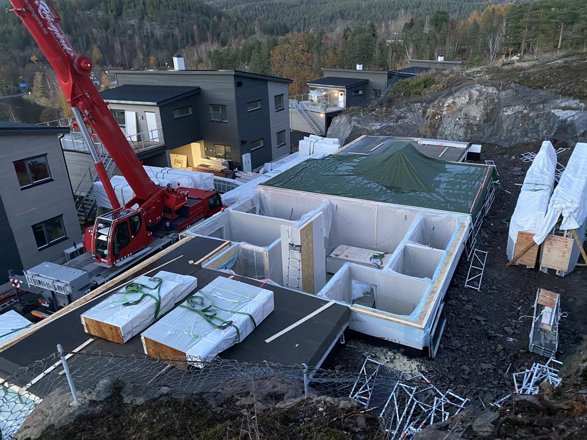 Prosjektert bolig under oppføring med flott utsikt over Eikern - Stor terrasse med kveldssol og carport