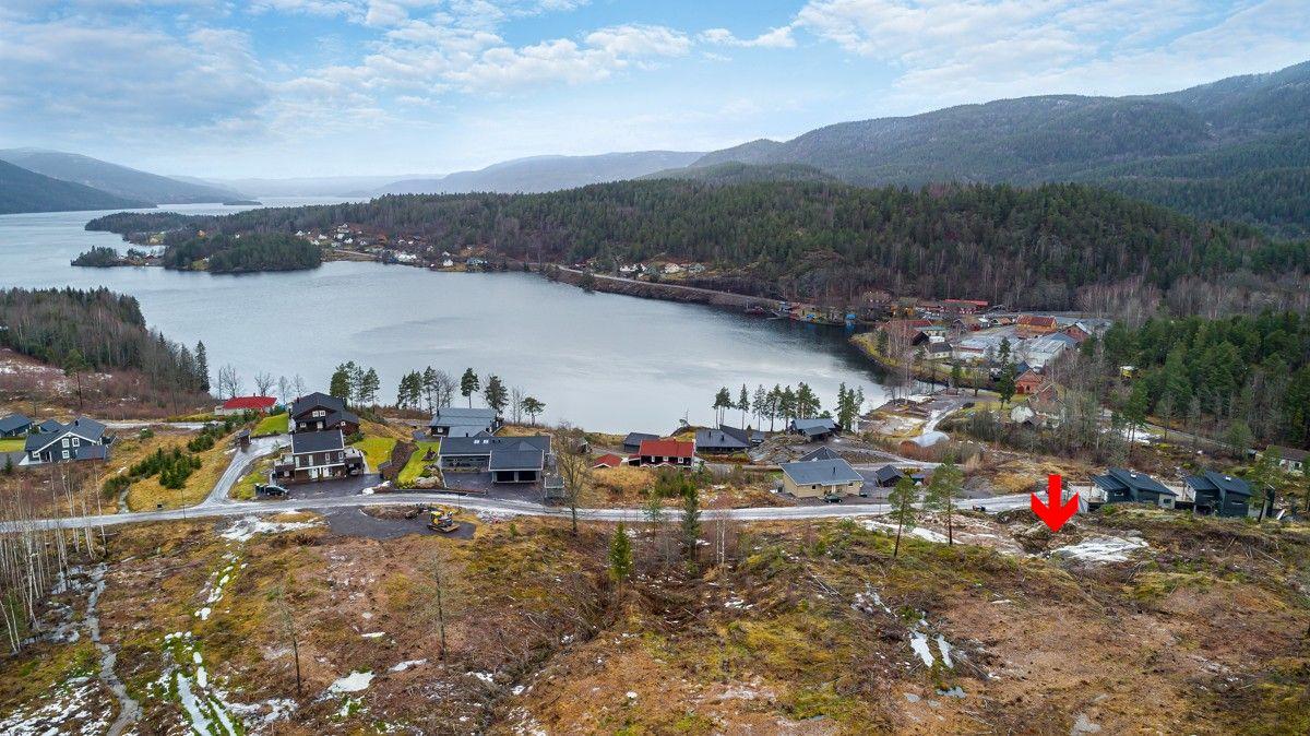 Bilde av tomten og nærområdet