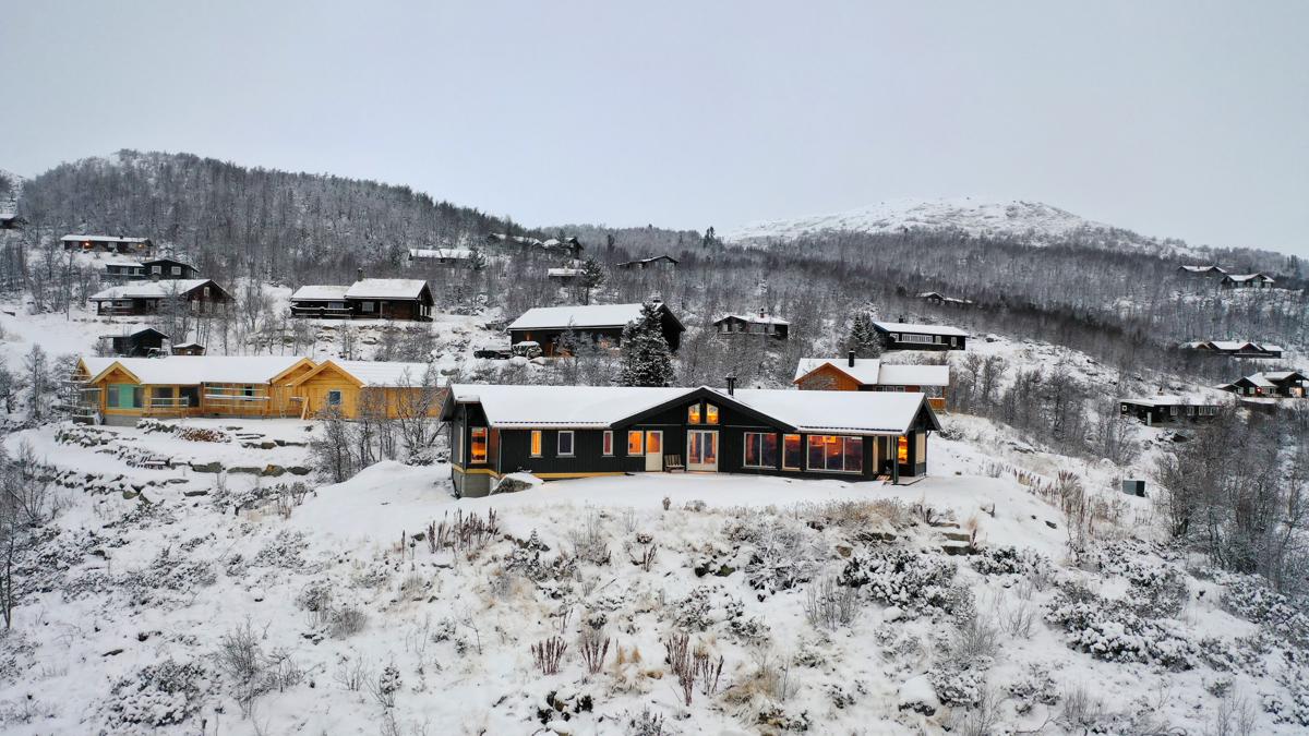Nyere hytte med flott beliggenhet