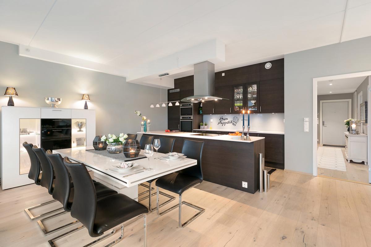 Kjøkkenøy med koketopp