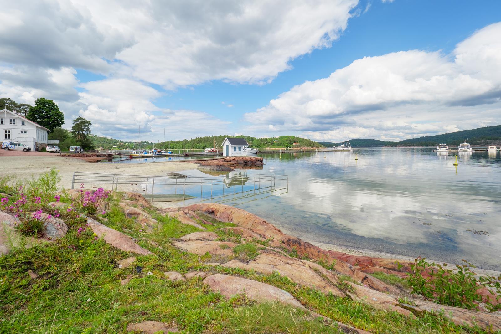 Badestrand Sætre Havn.