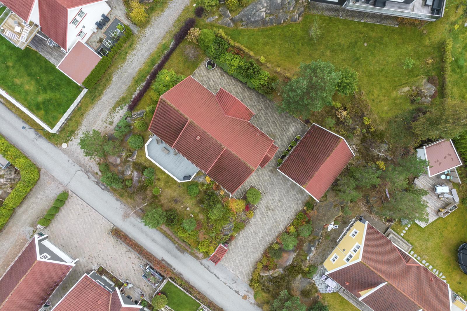 Oversiktsbilde over eiendommen.