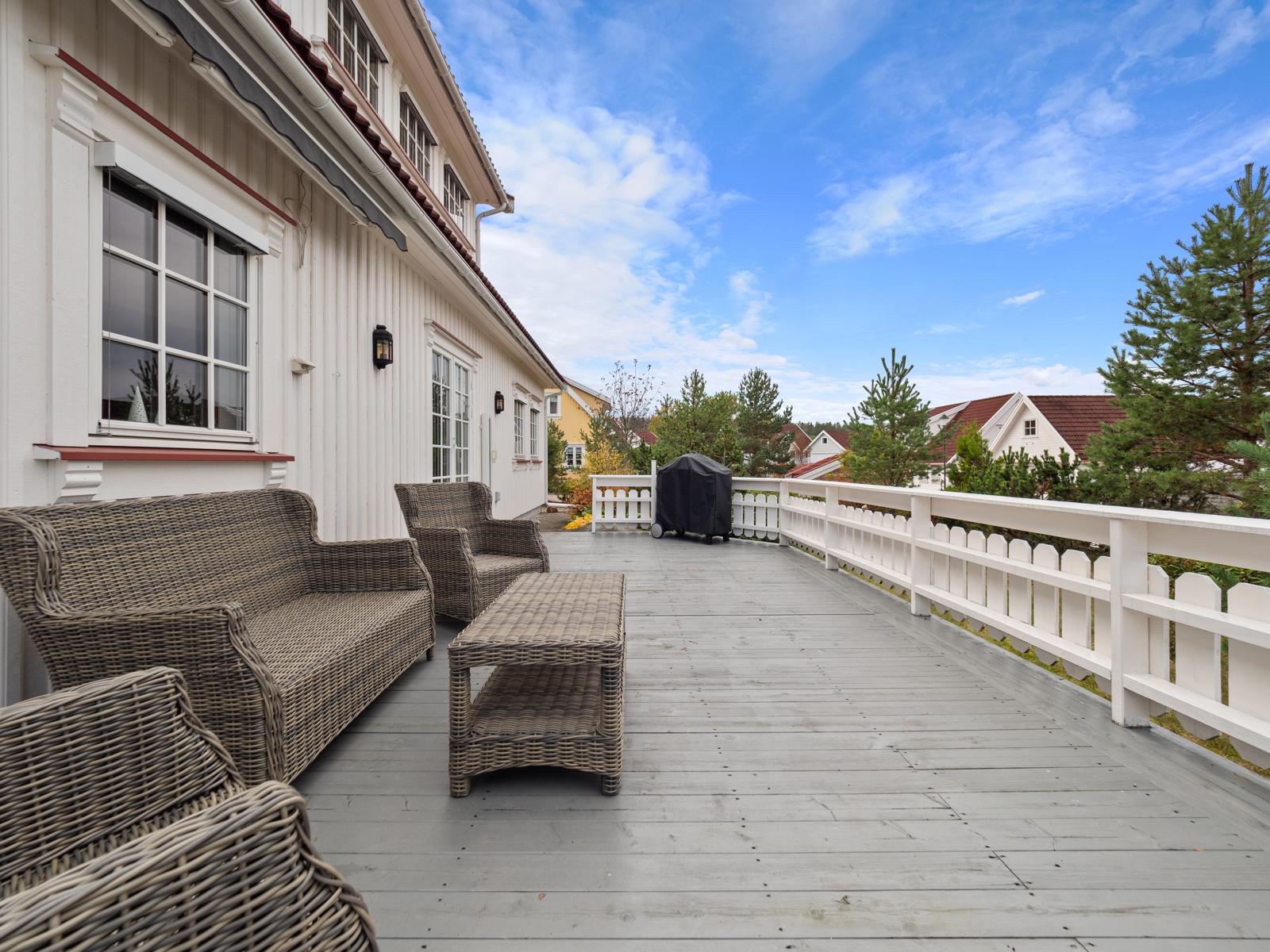 På terrassen er det gassuttak til gasssgrill.