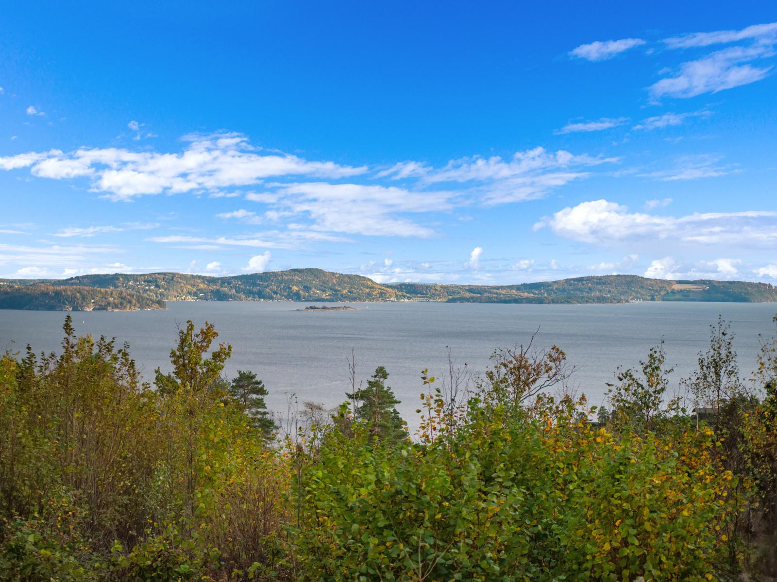 Enebolig beliggende med flott fjordutsikt utover Oslofjorden