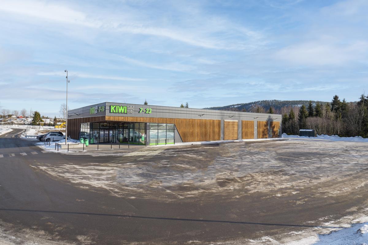 Ny Kiwi butikk på Klokkaratua ca. 2 minutters kjøring.