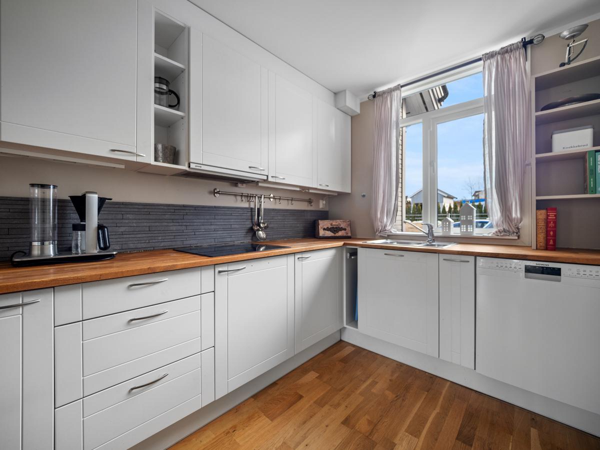 Kjøkken med åpen løsning.