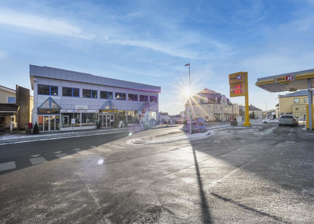 Kort vei ned til Tofte sentrum med diverse forretninger og servicetilbud
