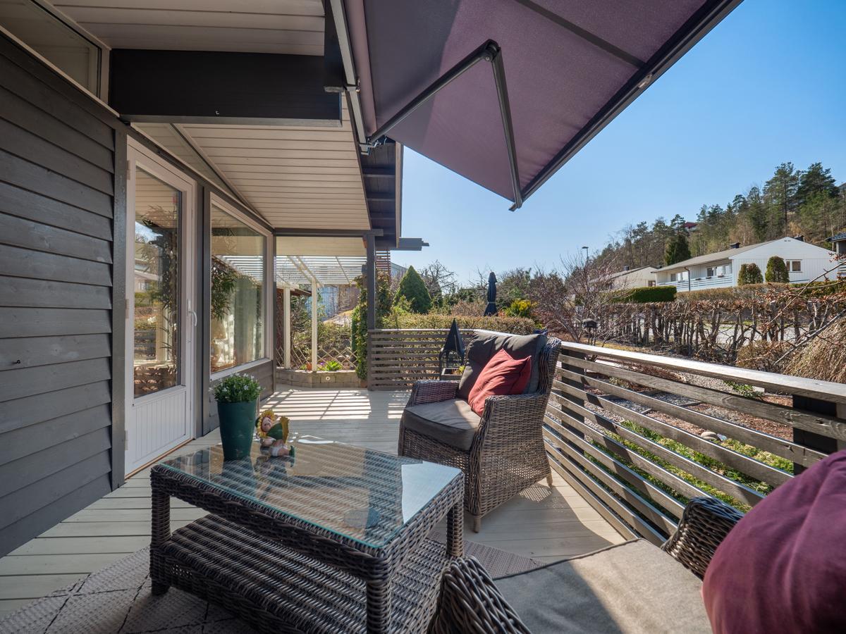 Terrasse utenfor stuen.