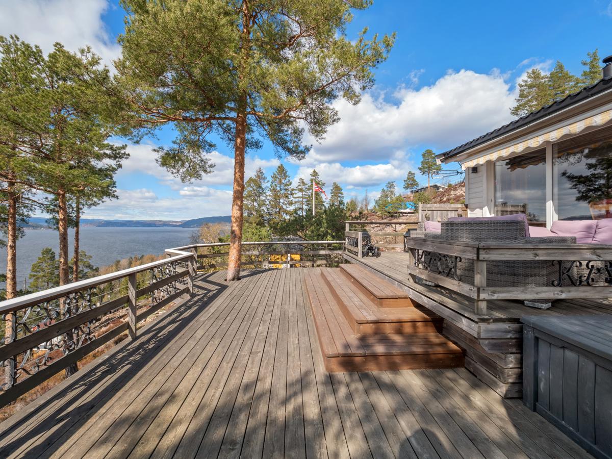 Velkommen til Selvigskogen 35 - Fritidseiendom med gode sol- og utsiktsforhold!