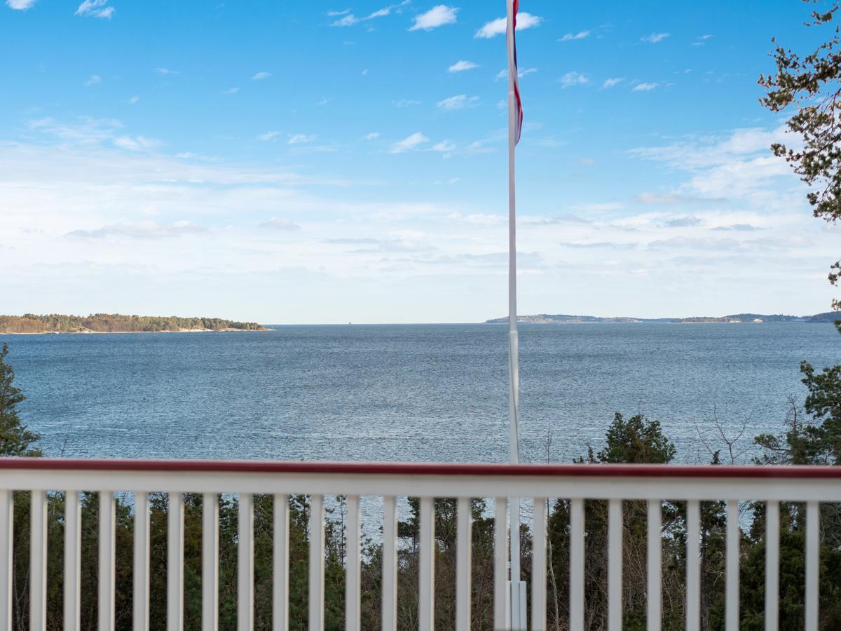 Velkommen til Delsvikodden 8 - En av de best beliggende eiendommene på Knatvold