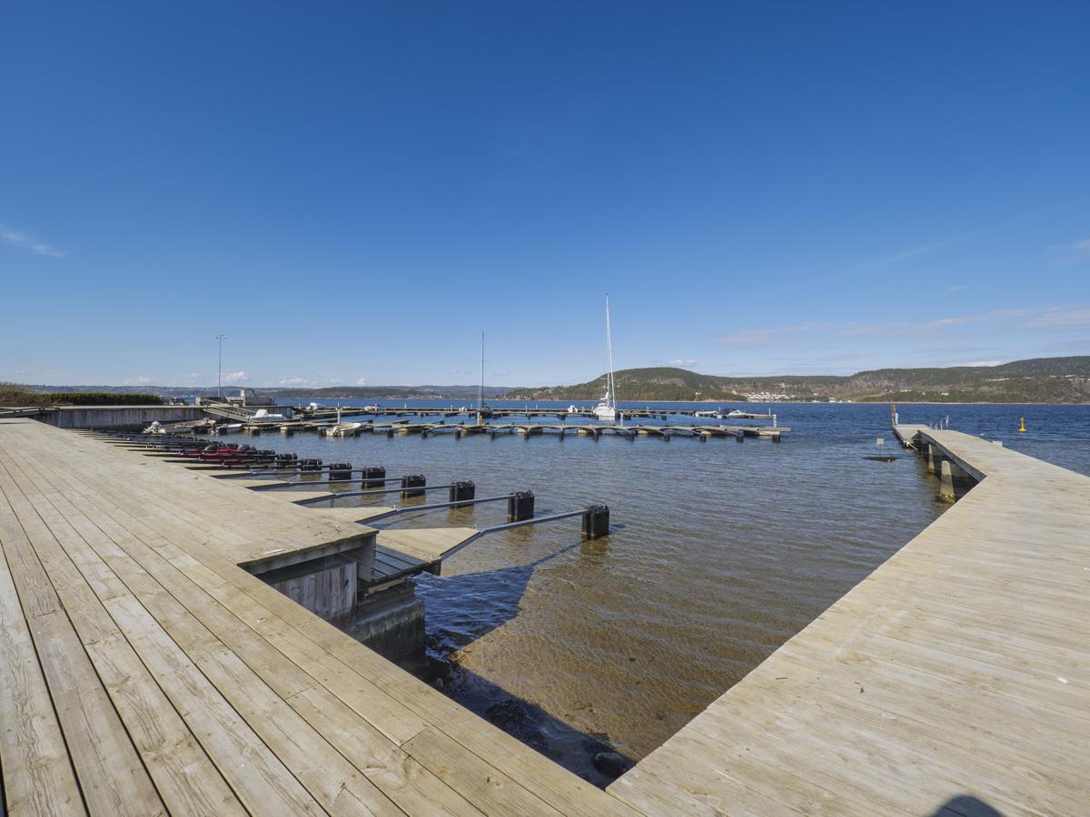 Hytten selges med båtplass i Rødtangen båtforening