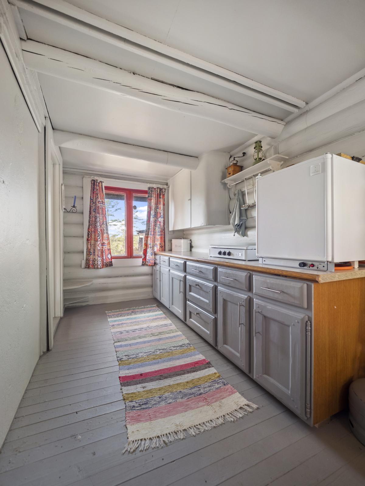 Kjøkkenet er utstyrt med gassbluss - Det medfølger strømaggregat